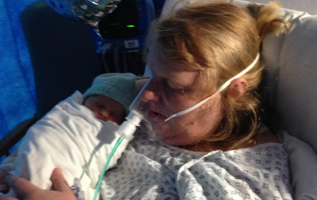 Une maman donne naissance à un enfant à 48 ans après 18 fausses couches