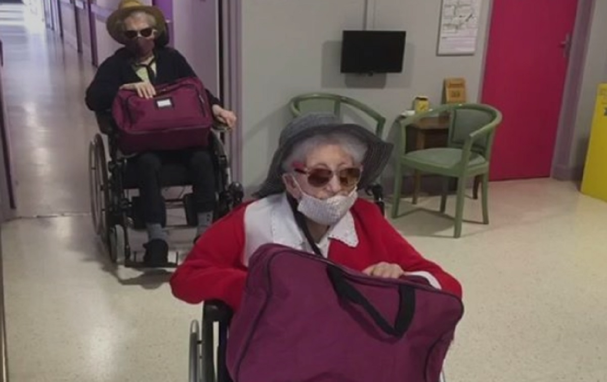 Les résidents d'une maison de retraite s'amusent a déserté leur domicile et publient une vidéo amusante